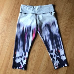Lululemon splatter capri leggings